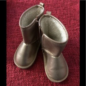 NWOT GAP Sz8 Toddler Metallic Sherpa-Lined Boots